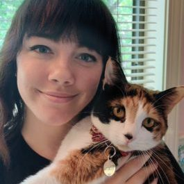 Hannah and her cat, Kiki.